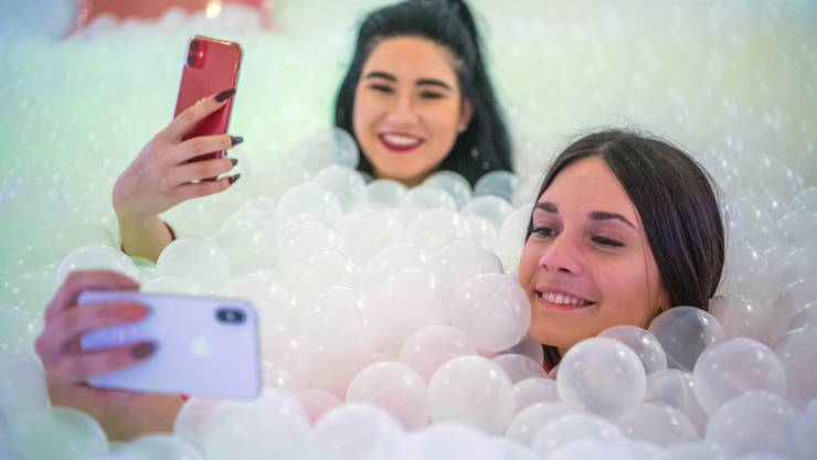 Das Selfie und Instagram haben die ästhetischen Ideale des Jahrzehnts geprägt.
