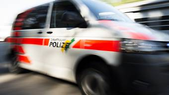 Mann mit Beil löst Polizeieinsatz in Schaffhausen aus. (Symbolbild)