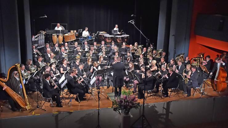 Die Stadtmusik Olten bei ihrem letzten Konzert im Stadttheater. Am 5. Mai 2018 um 17.30 Uhr gelangt das musikalisch-tierische Abenteuer «Der Wind in den Weiden» zur Aufführung - ein Erlebnis für die ganze Familie. (Foto: Remo Fröhlicher)