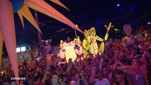 Bunt, schrill und crazy : «Elrow» begeistert an der Street Parade