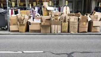 In Zürich gelten klare Vorschriften, wie man Karton bereitzustellen hat. (Symbolbild)