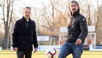Hakan Yakin freut sich auf die Zusammenarbeit mit dem FC Dietikon und Juniorenobmann Pascal Stüssi.