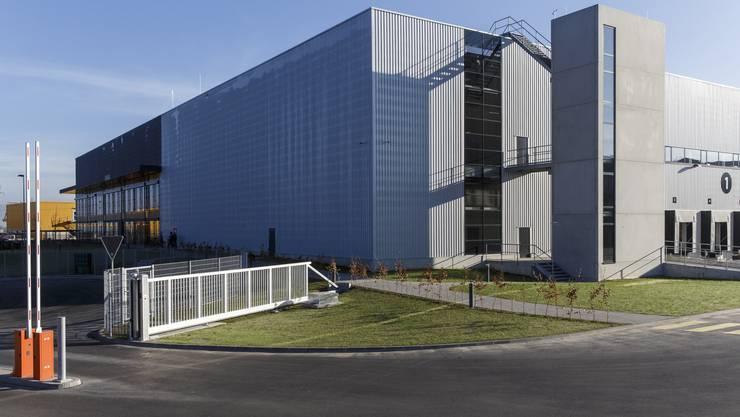 80'000 Quadratmeter gross ist das Gelände von Steinhoff in Derendingen. Hier arbeiten 71 Personen für den Konzern, dem Conforama und Lipo gehören.