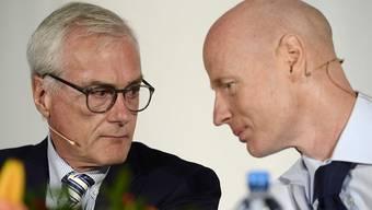 Ringier-CEO Marc Walder (rechts) und Verwaltungsratspräsident Michael Ringier (links) an der Bilanzpressekonferenz in Zürich: Ringier erwirtschaftet einen immer grösseren Teil seines Umsatzes mit digitalen Geschäften.
