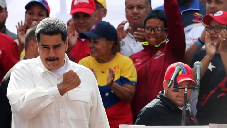Verlangt offenbar den Rücktritt aller seiner Minister: Venezuelas Staatschef Nicolas Maduro. (Archivbild)