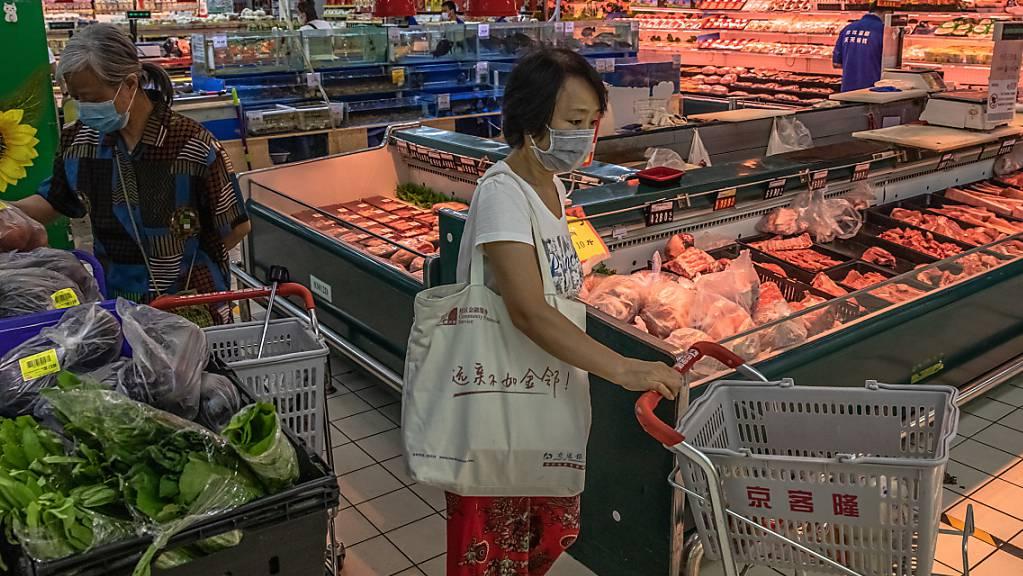Die Einnahmen im chinesischen Detailhandel sind im Juli laut der offiziellen Statistik überraschend gefallen – Experten hatten mit einem Anstieg gerechnet. (Archivbild)