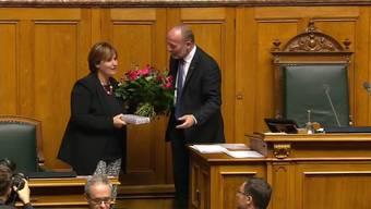 Die Tessiner SP-Nationalrätin Marina Carobbio wurde mit 154 Stimmen zur Nationalratspräsidentin gewählt. Feierlich begann sie am Montag ihre einjährige Amtszeit.