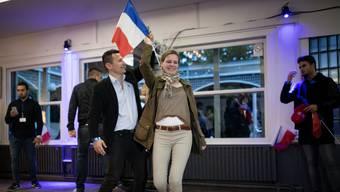 Anhänger des Front National tanzen an einer Afterparty nach dem zweiten Wahlgang. Noch hat die Bewegung von Marine Le Pen nicht alles verloren.