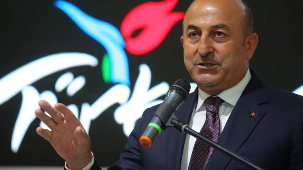Der türkische Aussenminister Mevlüt Cavusoglu am Mittwoch in Berlin - am Sonntag kommt er in die Schweiz.
