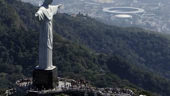 In Brasilien ist ein Streit um die Unterbringung von Coronavirus-Patienten in Sportstätten, wie das berühmte Maracanã-Stadion in Rio de Janeiro entbrannt. (Archivbild)