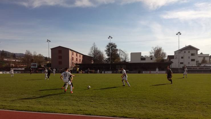 Der FC Wohlen kommt in Köniz überraschend zu drei Punkten.