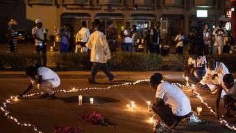 Gedenken an die Opfer des Terroranschlags in Ouagadougou.