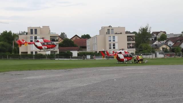 Regahelikopter beim schweren Traktor-Unfall in Wohlen