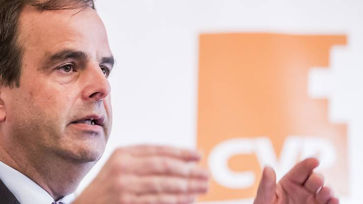 Die CVP will im Oktober ihre Initiative für eine Kosten- und Prämienbremse lancieren. Dies kündigte Parteipräsident Gerhard Pfister vor den Medien an.