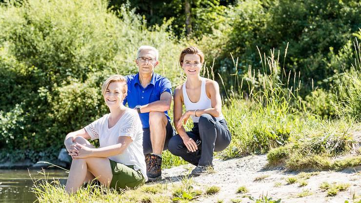 Das diesjährige Leserwandern- Team ist bereit (v.l.): Tabea Riesen, Projektleitung Verlag, Roman Würsch, Projektleitung Redaktion, Maria Brehmer, Social-Media- Redaktorin und «Miss Leserwandern» 2017.