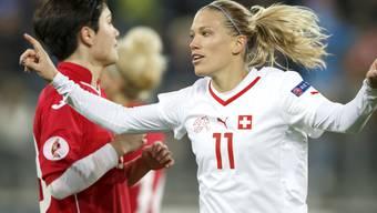 In der EM-Qualifikation gegen Georgien zweifache Torschützin: Lara Dickenmann (rechts)