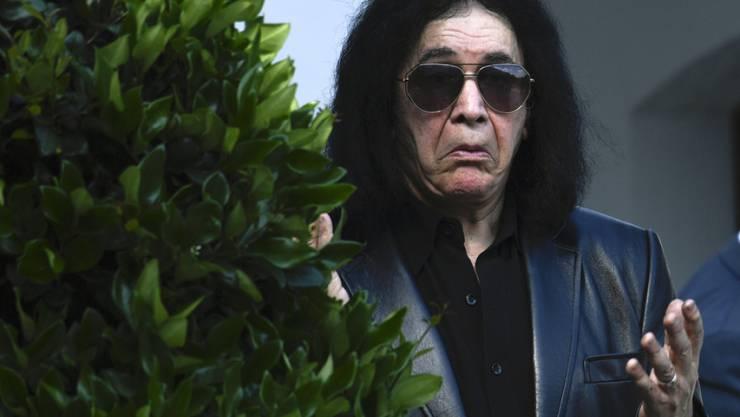 Für Kiss-Bassist Gene Simmons ist die Sache relativ einfach: Anstatt sich über US-Präsident Donald Trump aufzuregen, sollen die Leute lieber einen anderen wählen. (Archivbild)