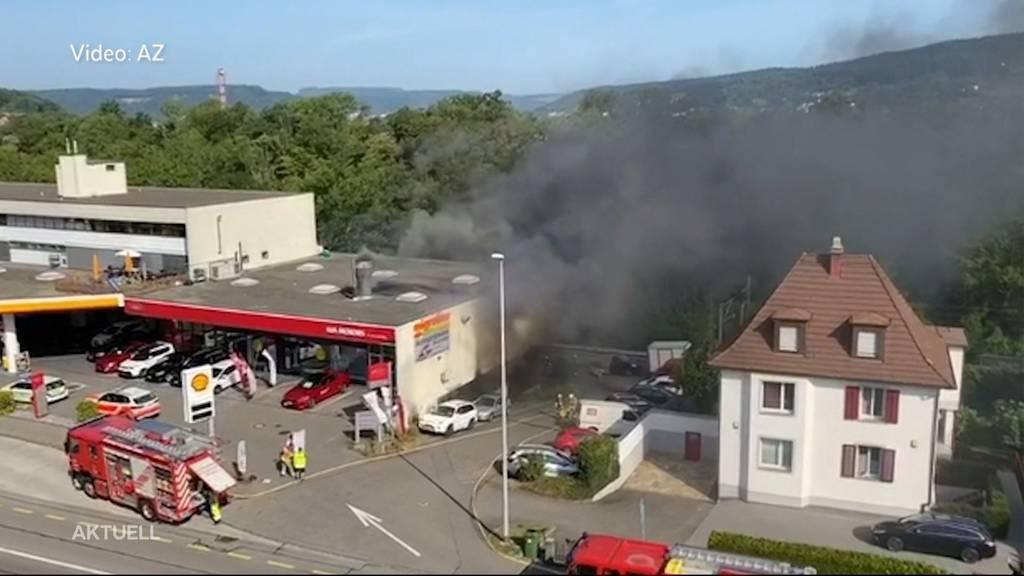 """Brand in Spritzwerk in Baden: """"Wir dachten, jetzt explodiert die Tankstelle"""""""