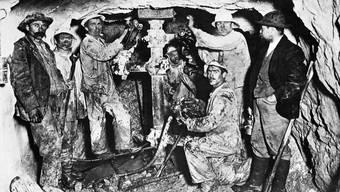 Gebaut wurde die unterirdische Schweiz von Einwanderern. Hier beim Bau des Lötschbergtunnels 1912. Archiv bls