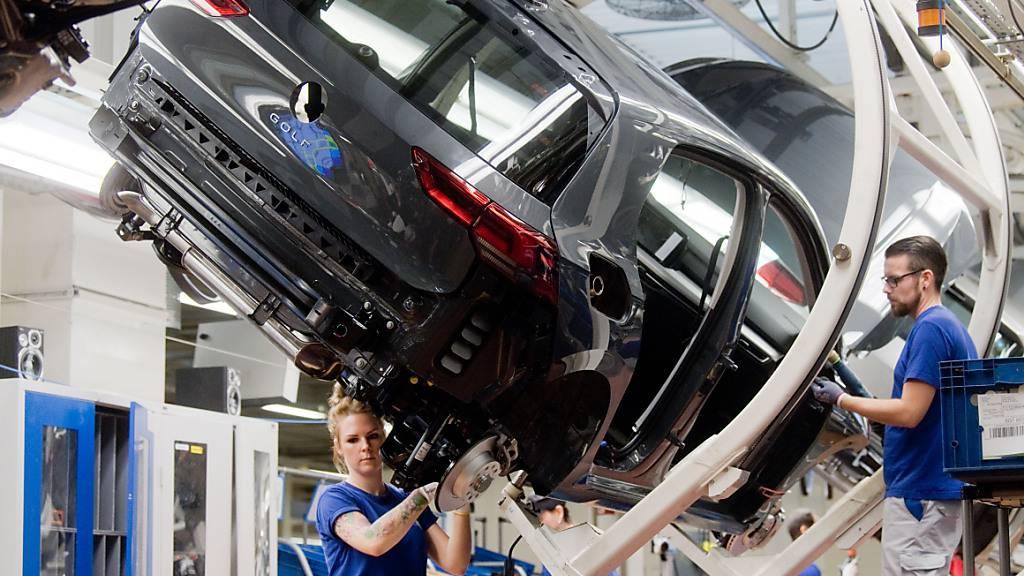 Chipmangel bremst Autoproduktion weiter aus