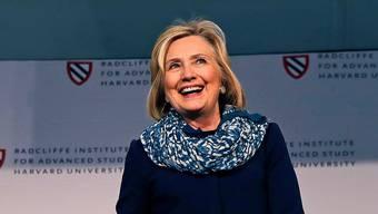 Hillary Clinton (70) wirkte bei ihrem Auftritt in Harvard erholt.