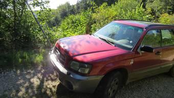 In Erlinsbach krachte ein Rumäne mit einem Subaru in ein Schild.