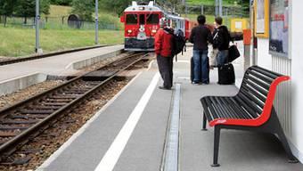 Sitzbank der Rhätischen Bahn