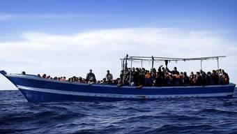 Für eine Bootsfahrt nach Melilla auf einem Flüchtlingsboot müssen afrikanische Flüchtlinge tief in die Tasche greifen. Die Tarife: 300 bis 1900 Franken.