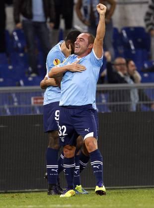 Cristian Brocchi lässt sich nach seinem entscheidenden Tor feiern