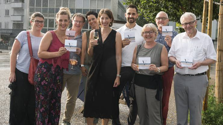 Die IG mit Gästen (v.l.): Bettina Schönberg (Cinésol AG), Anna Ernst (Interior & Styling), Jügen Hofer (Region Solothurn Tourismus), Caroline Jäggi (Stadt- und Gewerbevereinigung), Mirjam Hauri (Schmuckmanufaktur), Martin Tschumi (Drogerie Tschumi), Petra Hubler (El Travel), Stadtschreiber Hansjörg Boll und Stadtpräsident Kurt Fluri H.J. Sahli