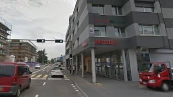 Von einem Bankräuber heimgesucht: Die Raiffeisen-Filiale in Ebikon.