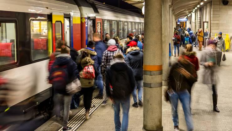 Der Zugverkehr ist vorübergehend eingeschränkt. (Archiv)