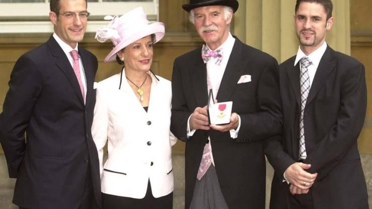 Der König der Köche: Anton Mosimann (hier mit seiner Familie im Buckingham Palace) bekocht in seinem Londoner Restaurant seit vielen Jahren Präsidenten und Royals (Archiv)