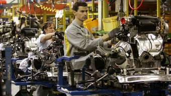 Arbeiter in einem Renault-Werk nahe Paris (Symbolbild)