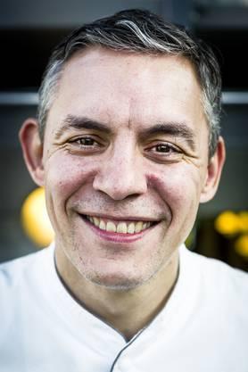 David Martinez war Michelin-Koch im Clouds beim Prime Tower in Zürich sowie im Restaurant Greulich in Zürich. Jetzt gibt er der Stiftung Arbeitskette den Vorzug.