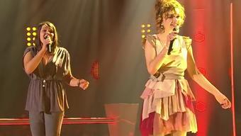 Iandara Brobecker (rechts) und Tanja Zimmermann  auf der Bühne. Marc Sway entschied sich für die 2 Jahre jüngere Tanja.