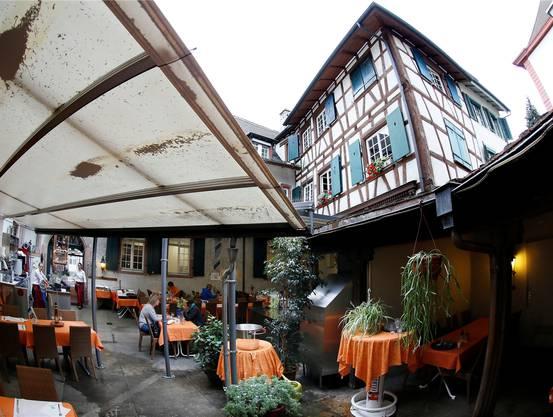 Der Hof des «Löwenzorn» gilt als einer der schönsten in Basel.