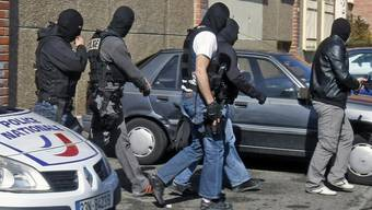 Die Polizei stellt Beweise in der Wohnung des Todesschützen von Toulouse sicher
