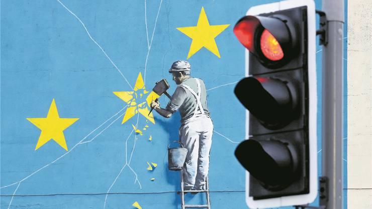In Grossbritannien wird Europa demontiert: Wandbild des britischen Künstlers Banksy in Dover. Gareth Fuller/AP
