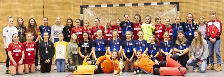 Medaillengewinnerinnen: Gold HCO, Silber Rotweiss Wettingen, Bronze Spielgemeinschaft Zürich