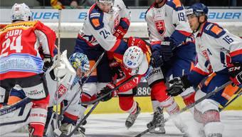 Vollends aus dem Tritt gekommen: Die Schweizer Nationalmannschaft und Killian Mottet (97) gegen die Slowakei. keystone