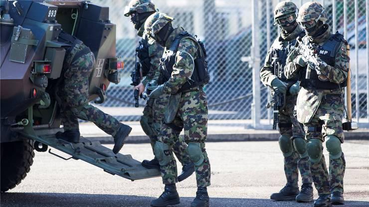 Auch die Militärpolizei übte im Rahmen von Conex in Muttenz.