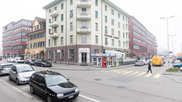Die Unterschriftensammlung für eine Begegnungszone im Schlieremer Bahnhofsbereich kann nun definitiv weitergehen. (Archiv)