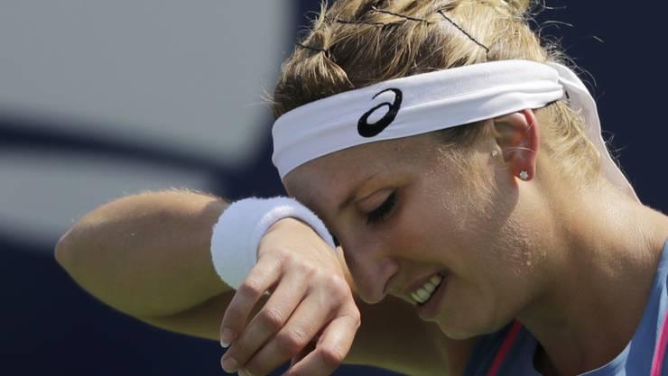 Für Timea Bacsinszky begann die neue Saison mit einer Niederlage, in Shenzhen verlor sie gegen Maria Scharapowa in zwei Sätzen