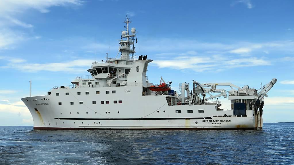 Das Forschungsschiff vor der Küste Mosambiks. Foto: Bjorn Serigstad/Institute of Marine Research /dpa - ACHTUNG: Nur zur redaktionellen Verwendung im Zusammenhang mit der aktuellen Berichterstattung und nur mit vollständiger Nennung des vorstehenden Credits