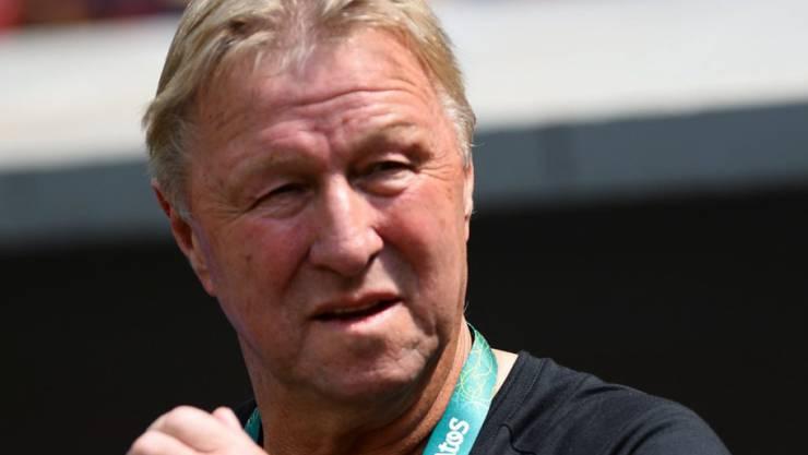 Horst Hrubesch, in den Achtzigerjahren als Spieler unter anderem Gewinner des damaligen Meistercups mit dem Hamburger SV, zieht sich mit 67 Jahren endgültig vom Profifussball zurück