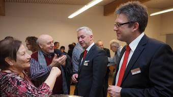 Stellten sich im Werkhof Sisseln der Bevölkerung: Verwaltungsrats-Präsident Erwin Schwarb und Marc Jäger, Vorsitzender der Bankleitung (von links).