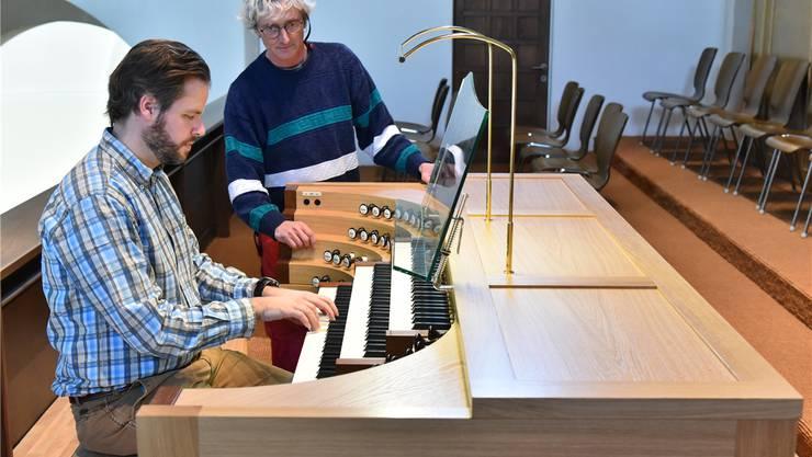 High-Tech Orgel-Spieltisch: Komplett neu, komplett zufrieden - Thal ...