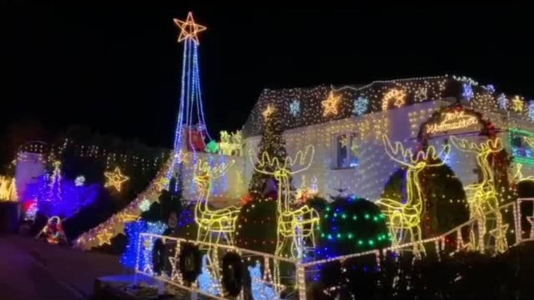 Die beeindruckende Weihnachtsbeleuchtung von Richard Biedermann
