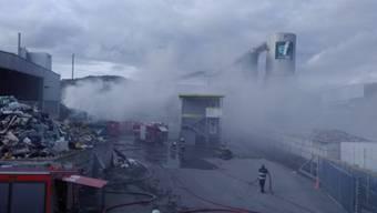 Ein Haufen mit Sperrgut entzündete sich am Mittwoch auf dem Areal der Rewag in Kaiseraugst.